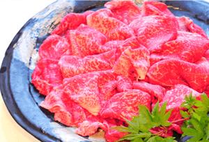 日本一の「尾崎牛」の牛鍋、地元の幸。〆は「みやま米」の土鍋ごはんで。