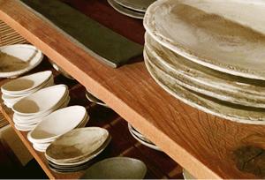 当店は、陶芸家・馬場勝文さんの器の世界で味わえます。